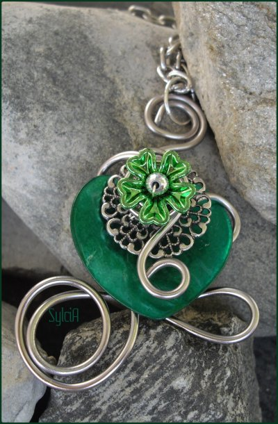 Pendentif Into the Green.