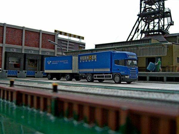 Verhoek Int. Transport B.V.. Nijverheidstraat 20 8281 JE GENEMUIDEN