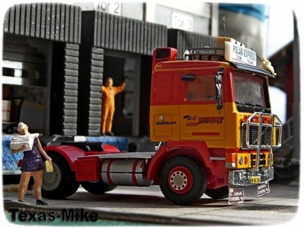 Volvo F12 Herpa Preiser 29106 H0 Überlastete Sekretärin