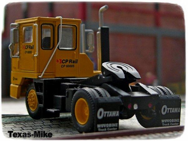 Athearn Mack R Model   Athearn - Kalmar - Hof Lkw Kalmar Ottawa Intermodal Yard Tractor