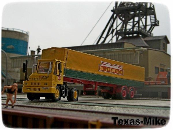 Athearn Kalmar Ottawa Intermodal Yard Tractor