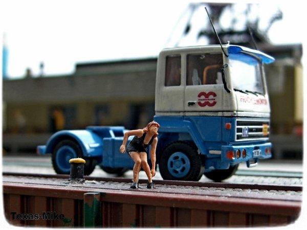 Herpa - Ford Transconti 2-achs Solo-Zugmaschine