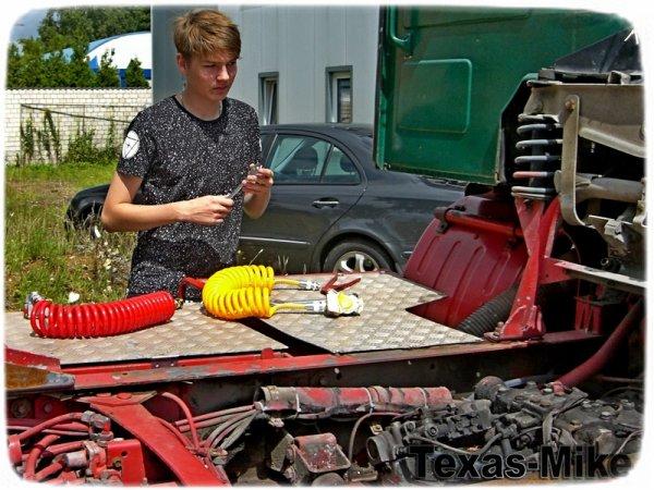 VOLVO F12 Aufarbeitung