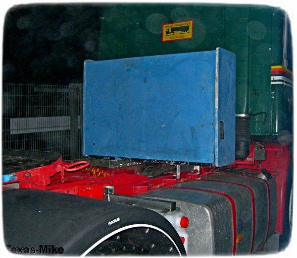 """VOLVO F12 Aufarbeitung  Hoyer Kiste """"anpassen und ausrichten"""""""