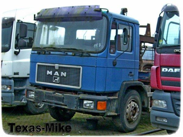 MAN M90 und ACTROS MP2