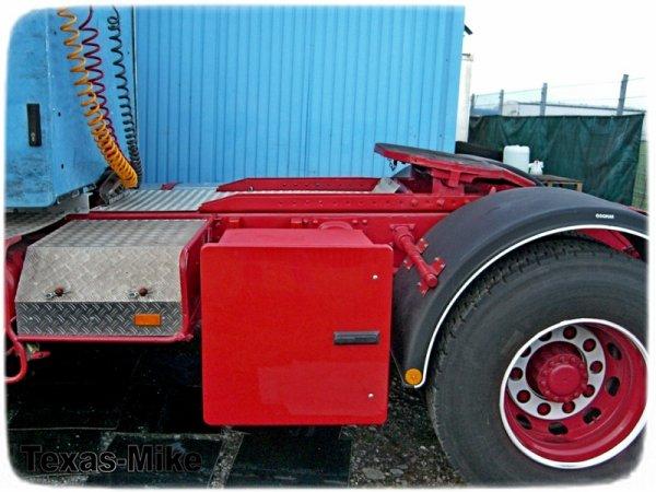 VOLVO F12 Aufarbeitung LKW-Werkzeugkästen und Staukästen von Megaform