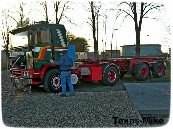 VOLVO F12 Aufarbeitung KÄSSBOHRER, Containersassie 20 Fuss