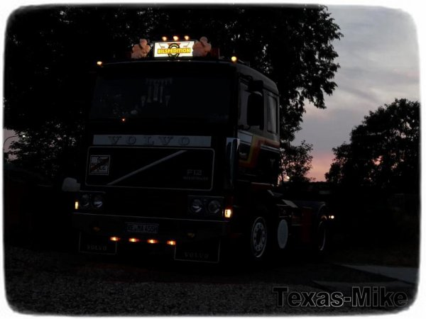 VOLVO F12 Bilspedition