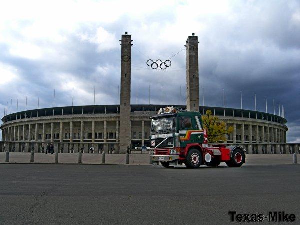 Volvo F12 Bilspedition Oldtimertreffen Berlin