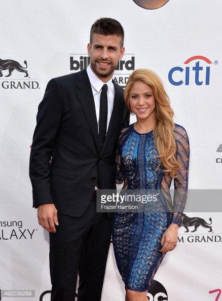 Gerard Piqué & Sa Femme Shakira & Leur Fils Milan & Sasha ( Fc Barcelone )