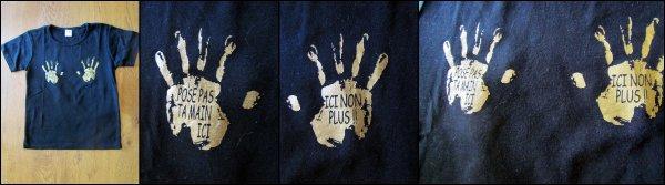 T-shirt mains.