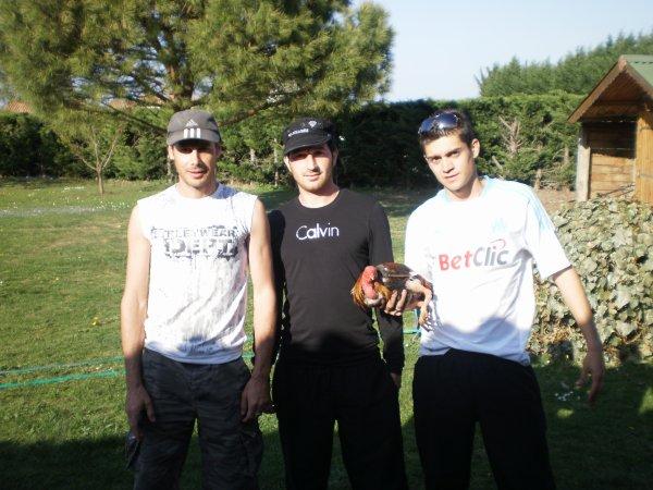 LOS PRIMOS : Sopa, Chris et Tony