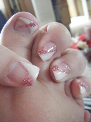 deco gel pailleté rose sur l autre moitié de l ongle