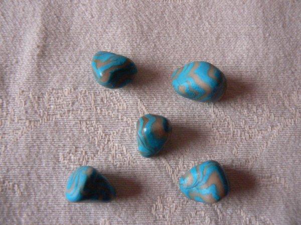 les 5 berlingots bleu et (beige-blanc)