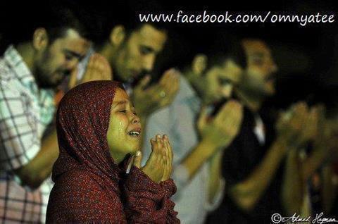 يارب هدي بال المسلمين وانصرهم ياحق ياكريم