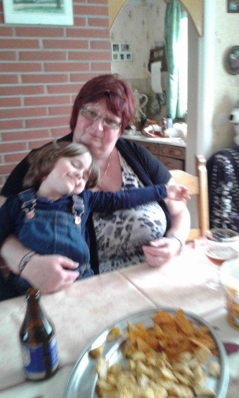 Mamou et emelyne a la fete des mere