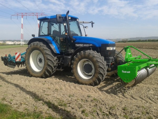preparation du sol pour la semie du mais