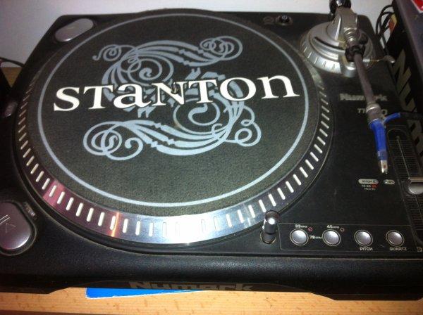 vends platine numark TT500