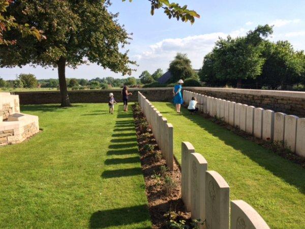 """Le """"Sebourg British Cemetery"""""""