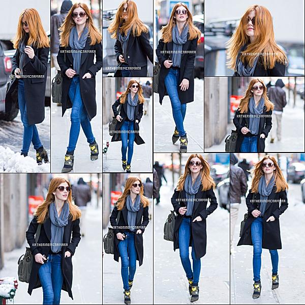 PUBLIC APPEARANCES ----------------  10 FEVRIER 2017 ----------------   Toujours le même jour, Katherine avait été photographié se promenant dans les rues de New-York, entre deux show. Ainsi que dans les coulisses du show de Oday Shakar. Niveau tenue, je suis carrément amoureuse du jean avec le manteau bleu. Pour l'autre, c'est toujours pareil.  Et vous, qu'en pensez-vous?