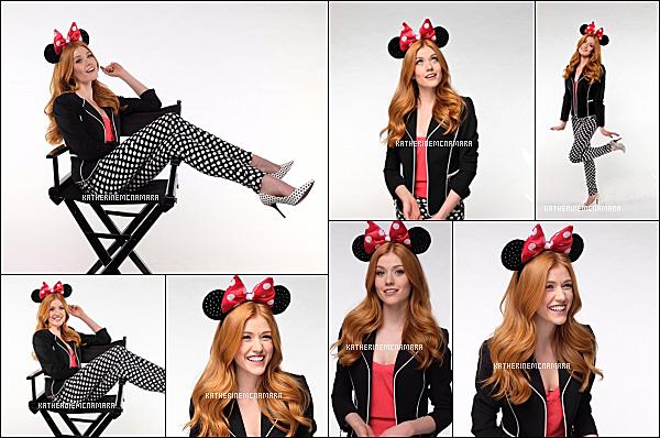 PHOTOSHOOT ----------------  JANVIER 2018 ----------------   Après plus d'un mois sans nouvelles de Katherine, nous avons enfin deux petites nouvelles d'elle. La première est un photoshoot pour la magazine Coveteur. Et le second est en photoshoot, en l'honneur de Minnie Mouse, qui a obtenue son étoile sur le Walk of Fame de Hollywood. Je trouve ces deux photoshoot vraiment chouette! Qu'en pensez-vous?.