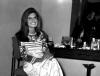 "Dalida dans sa loge du ""Palmarès des chansons"" lors de sa rentrée en 1967"
