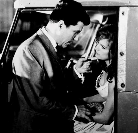 """Dalida dans """"L'inconnue de Hong-Kong"""" - 1963"""