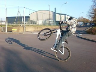 mon vélo (kona stuff)