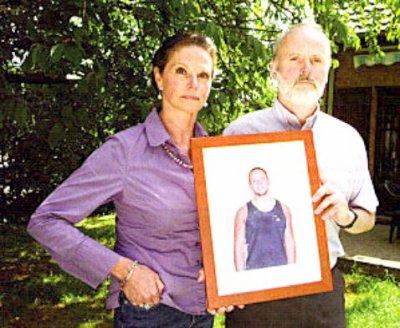 09-01-2013 - Namur - Belgique - Mr Goffin - Erreur Médicale - Clinique Ste Elisabeth - Le Crush Syndrome - Injustice - Michel Bouffioux - Affaire Goffin - Tribunal de Namur