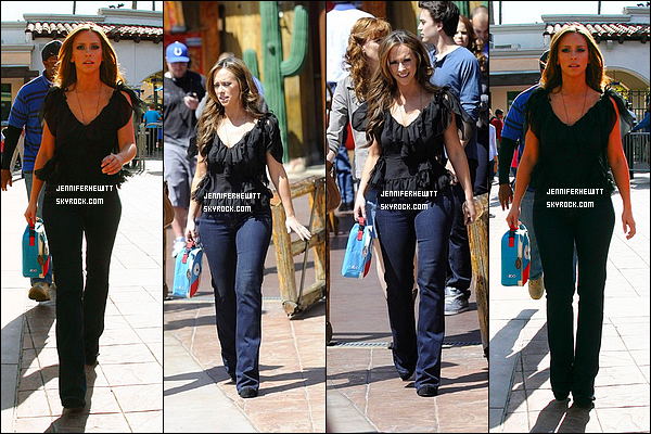 "03/04/2012 - Jennifer Love Hewitt sur le set de ""The Client List"" aux studios Universal à Los Angeles."
