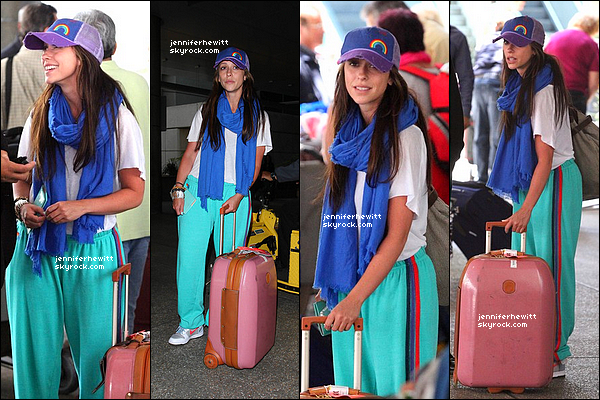 22/05/2012 - Jennifer Love Hewitt a été aperçue à l'aéroport de Los Angeles ce mardi.