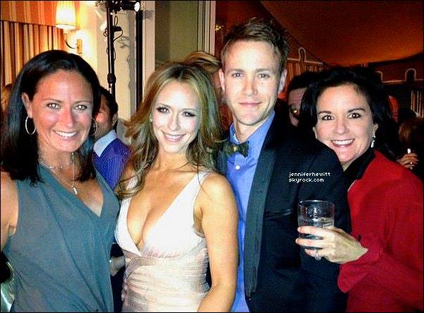 """04/04/2012 - Jennifer Love Hewitt s'est rendue à la première de """"The Client List"""" dans West Hollywood."""