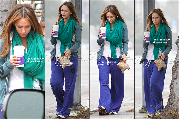 25/02/2012 - Jennifer Love Hewitt était de sortie pour faire du sport avec un café dans Los Angeles.