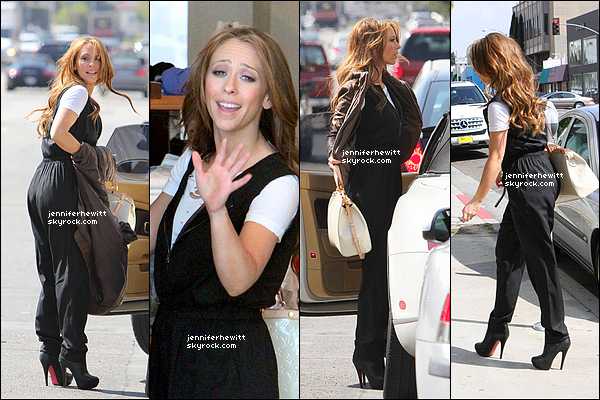 01/03/2012 - Jennifer Love Hewitt était de sortie shopping dans la grande ville de Los Angeles.