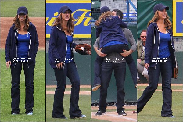 """18/03/2013 - Jennifer Love Hewitt à été aperçue en plein tournage de """"The Client List"""" avec Brian Hallisay."""