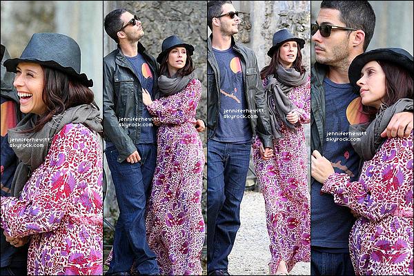 31/05/2013 - Notre beau couple de futurs parents se baladaient dans le beau pays d'Italie en ville de Florence.