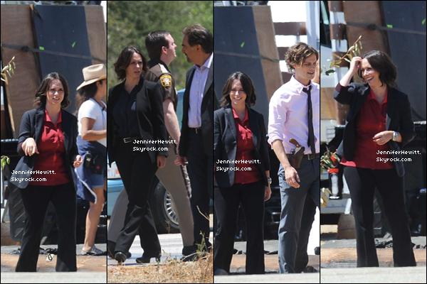 21/07/2014 - Notre superbe Jennifer Love Hewitt Hallisay a enfin été vue sur le set d'Esprits Criminels.