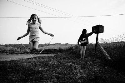 En amitié comme en amour, la perte d'un être cher, c'est aussi perdre une part de soi-même... (By:Moi)