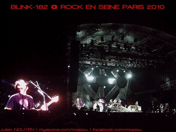 ROCK EN SEINE 2010 avec CONVERSE FACTORY VIP - BLINK-182 ALL TIME LOW The Kooks FOALSVIDEO BLINK-182 FEELING THIS @ ROCK EN SEINE