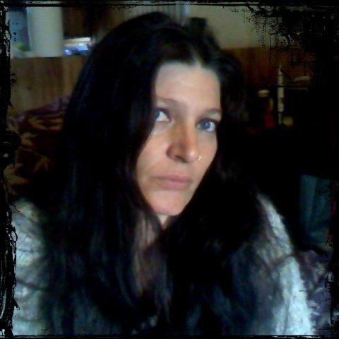 Gilda  ( belle au cheveux long )