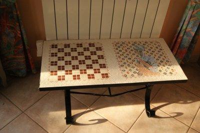 Table échiquier en fer forgé