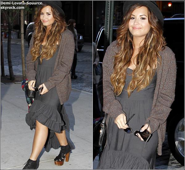 19 Septembre -  Demi a été vue quittant son hotel, pour aller à  l'interview de Good Morning America. (New-York)