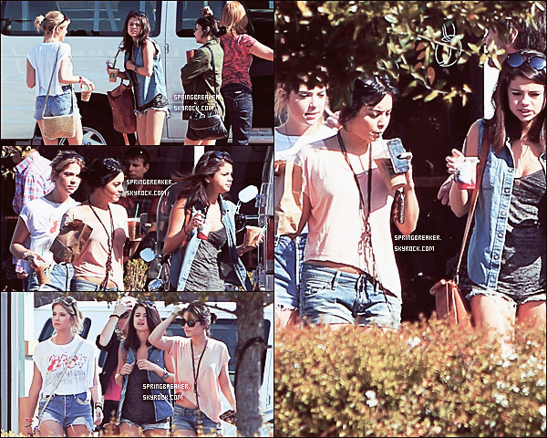 01.03.2012 - V', Ashley & Selena étaient à un Starbucks à St. Petersburg, Florida.