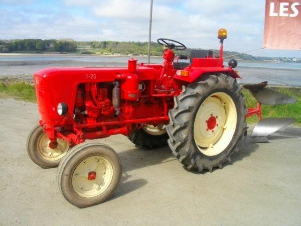 Vieux tracteurs du Trégor.