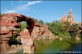 Frontierland et Big Thunder Mountain