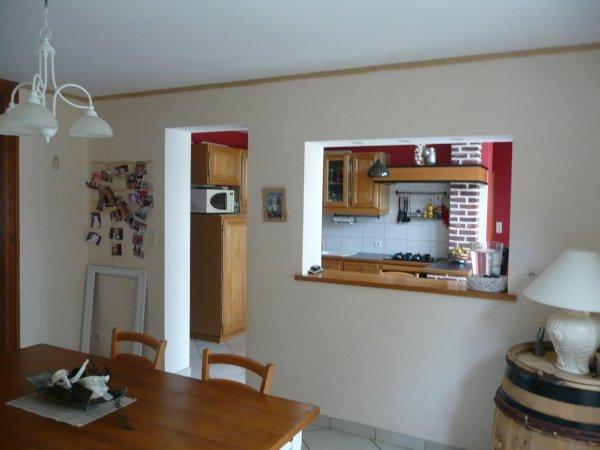 Salle a manger avec passe plat en ch ne v211maison59360 for Photos cuisine ouverte passe plat