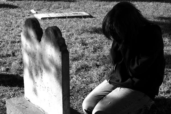 """Chapitre 41 """" Ma mère était morte. Et aujourd'hui, on l'enterrait. """""""