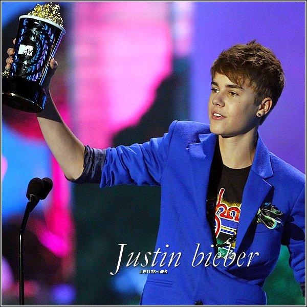 0  JUSTINB-WEB ♦ skyrock.comBlog Officiel sur Justin Bieber !    0