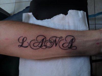 mon tatouage prénon de ma fille fais le 19 juillet 2011
