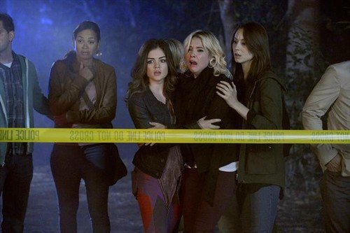 La Saison 3 de Pretty Little Liars se fais attandre an france ://